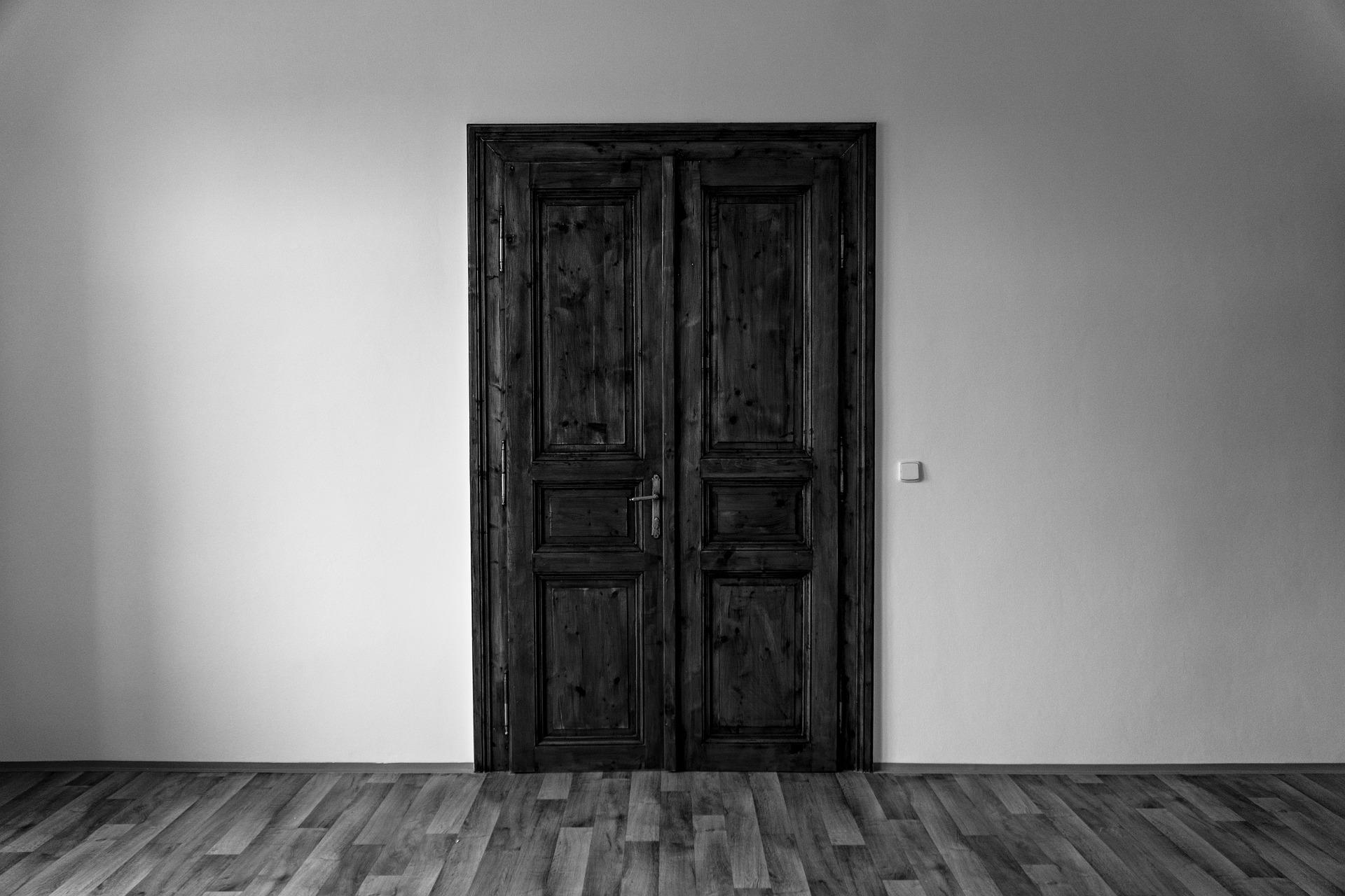 door-4951727_1920