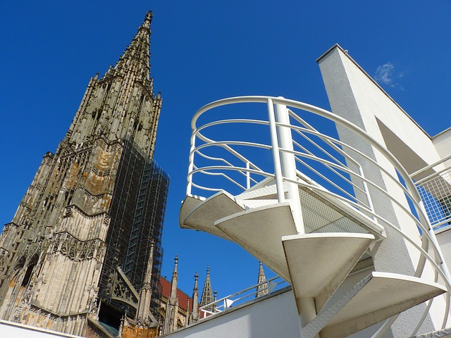 ulm-cathedral-6286_640
