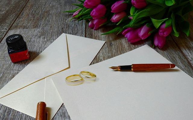 wedding-invitation-3564629_640